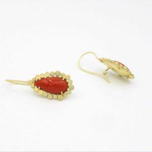 Gouden oorbellen Rozette met bloedkoraal