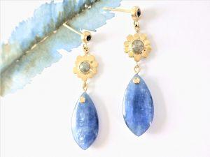 Gouden oorbellen met Kyaniet Diamant en Saffier