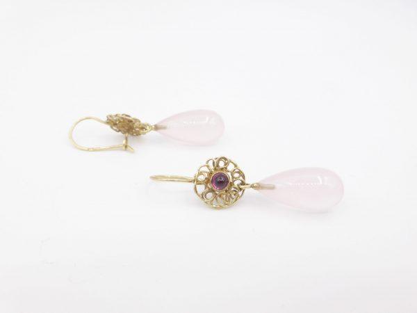 Frisée oorbellen met rozenkwarts en rhodoliet